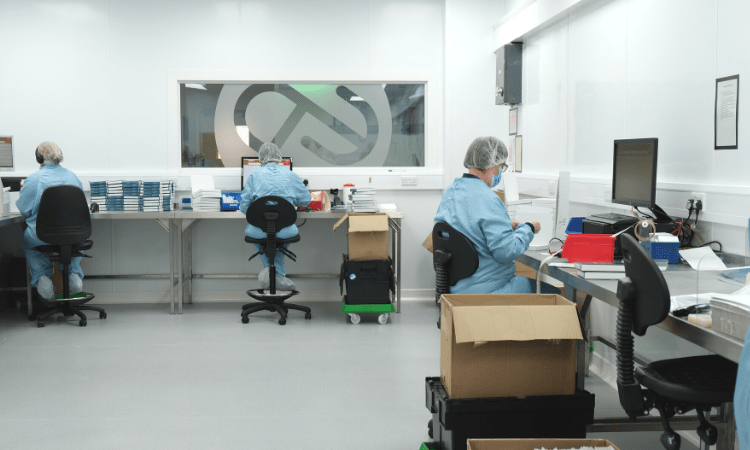 ISO class 7 cleanroom